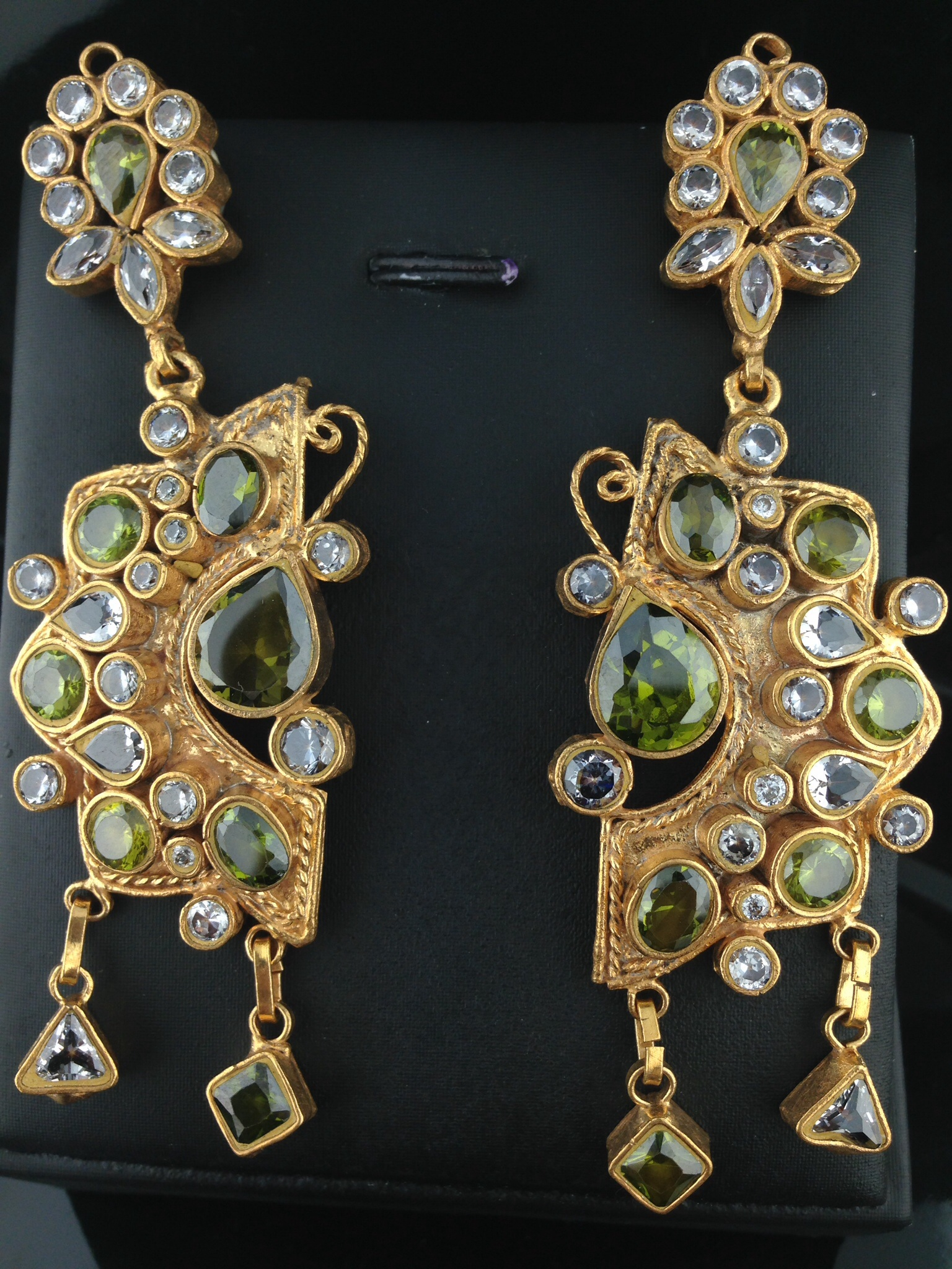 Kundan Earrings With Emeralds And Crystals.