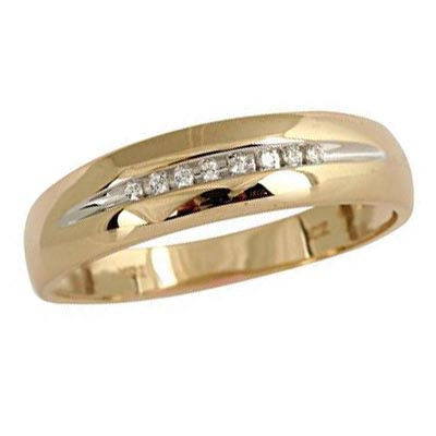Men\'s Diamond Accent Wedding Band in 10K Gold