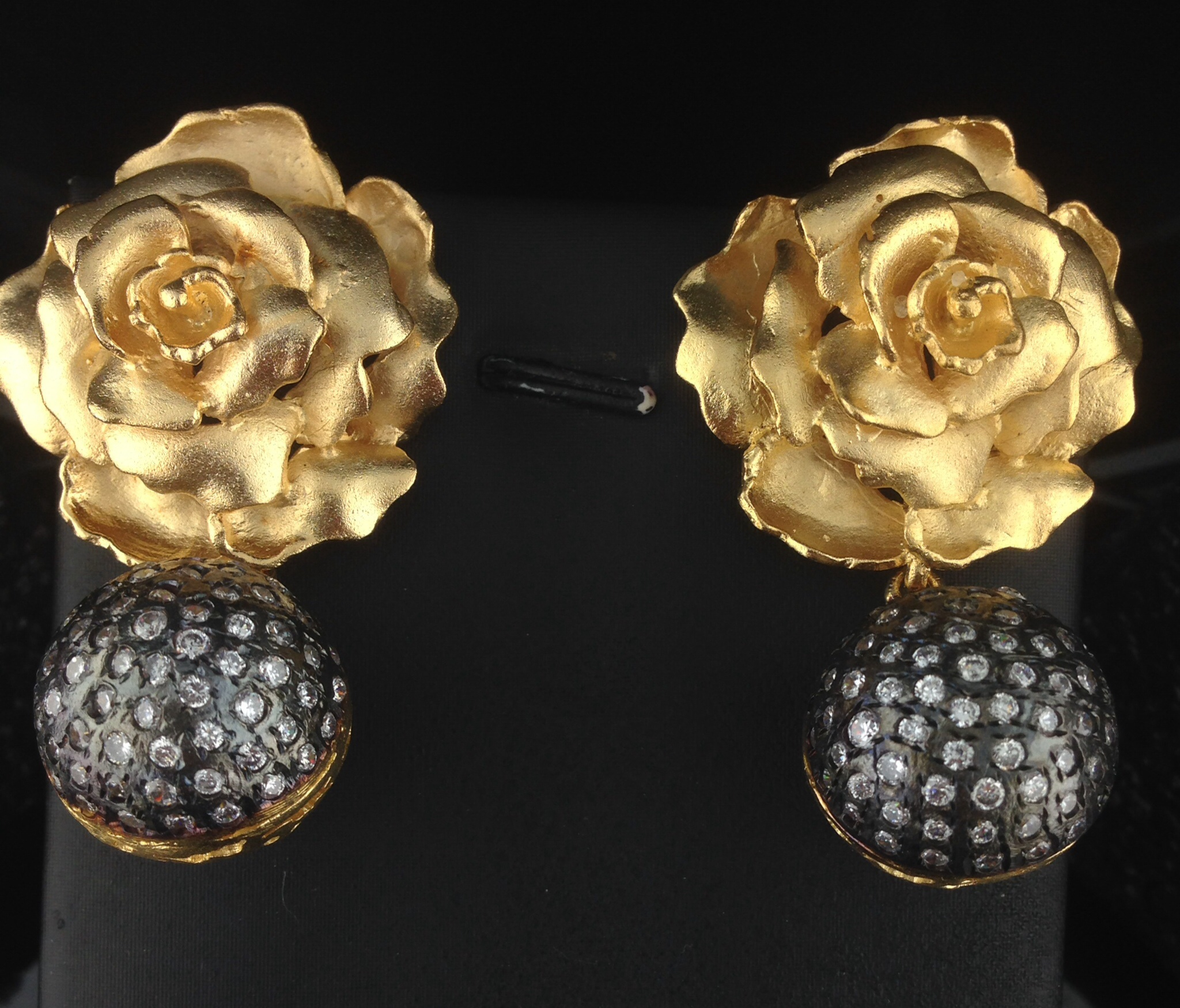 Designer Yellow Gold Polished Flower Shaped Tops