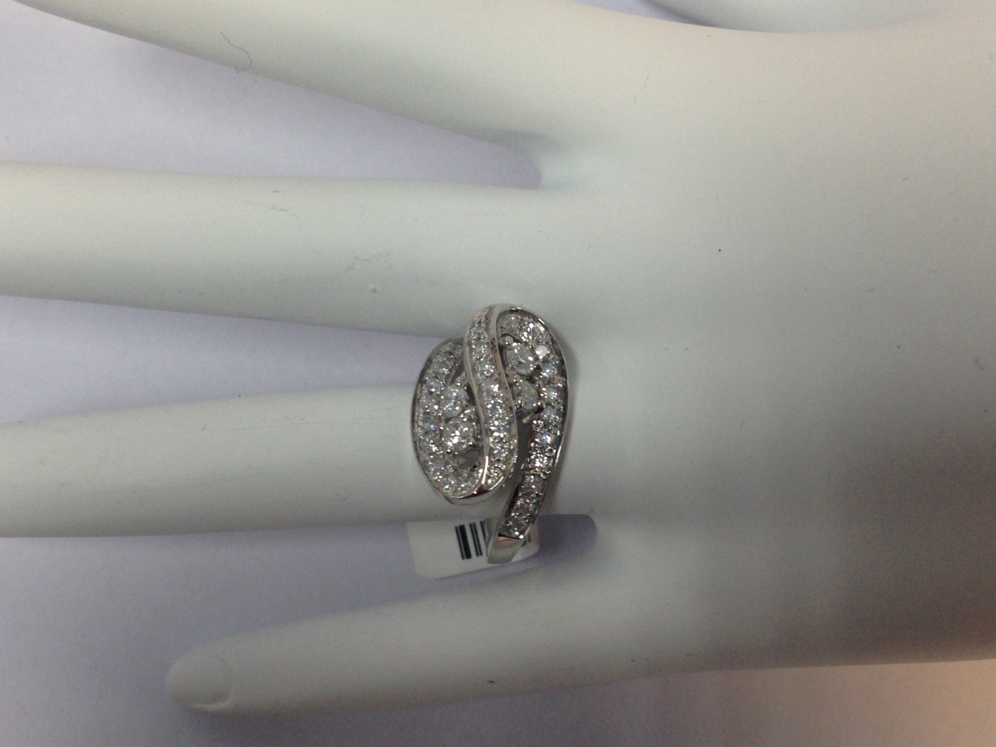 1.0 CT. White Gold Engagement Ring