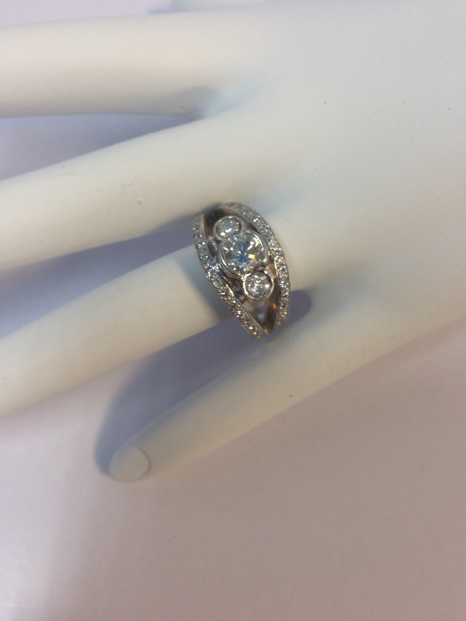 1.5 CT. 14K White Gold Engagement Ring