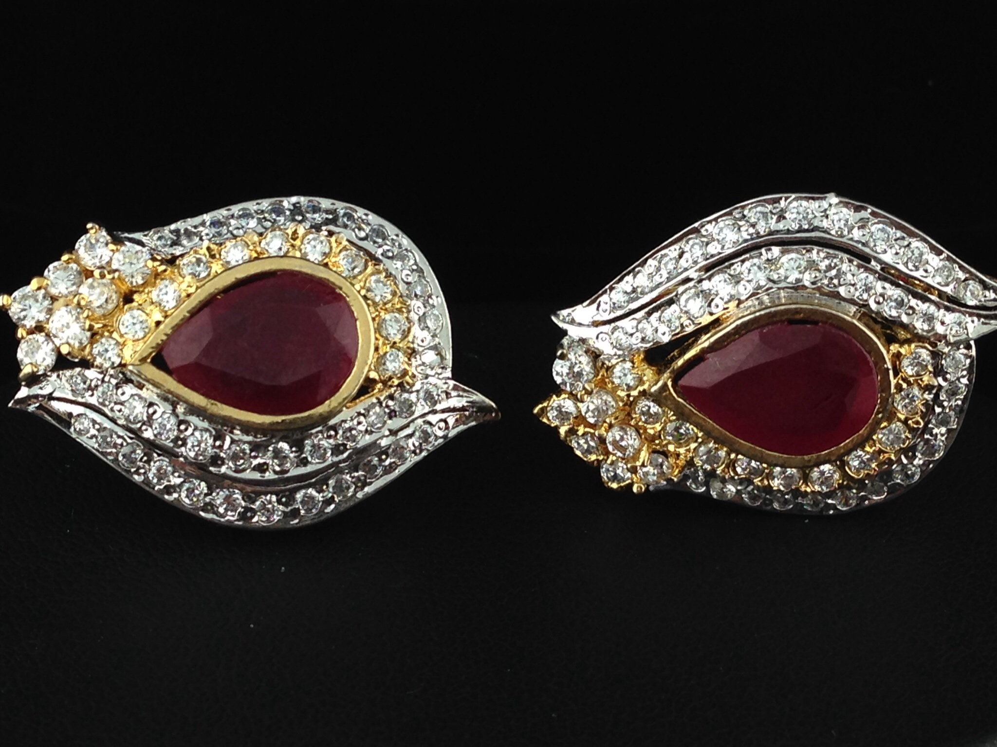 Sterling Sliver Ruby Tops Earrings