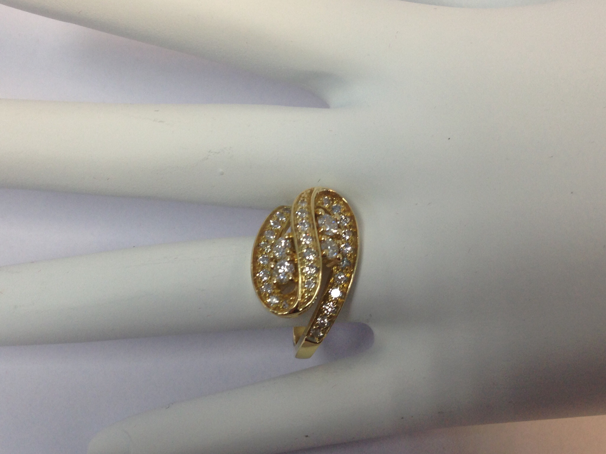 1.0 CT. Yellow Gold Engagement Ring