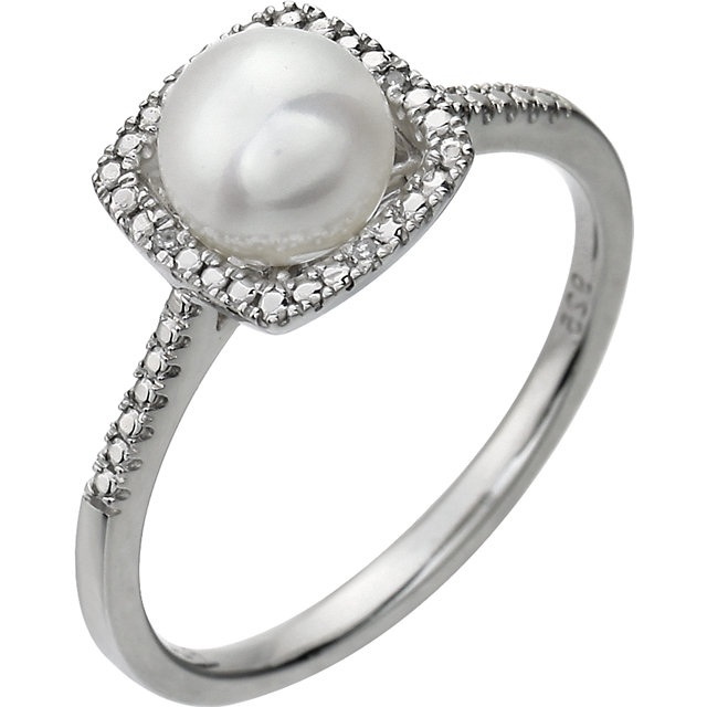 Sterling Silver 7mm Freshwater Cultured Pearl & .01 ct tw Diamon